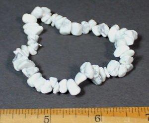 Howlite stretch bracelet with chip beads